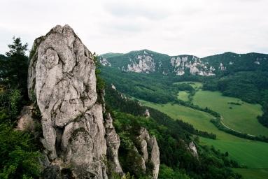 pohledy ze Súlovského hradu na hřeben kolem Roháčského sedla