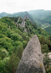 skalní jehly pod Gotickou branou